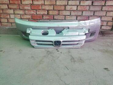 Продаю передние бамперы, и решетки радиатора на степ вагон спада