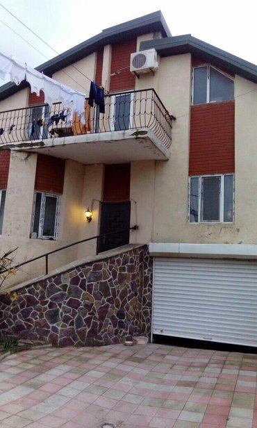 Xırdalan şəhərində Bilàcàridà 2.5 sotda 2 màrtàbàli 6 otaqli tàmirli ev tàcili satilir.