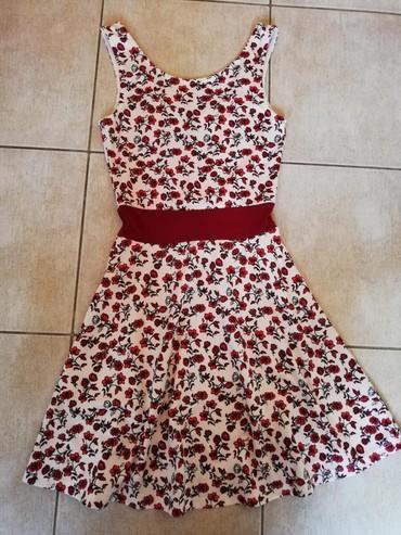 Nekoliko puta obučena haljina na kratko. Iz H&M veličina S. Mada - Nova Pazova