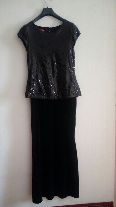 Платье в пол,очень красивое,нарядное. с паетками. размер 38,по