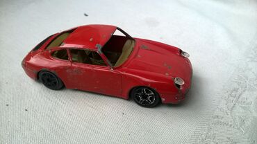 Avtomobil modelləri | Srbija: Burago Porsche 911 Carrera Italy fale stakla, izgreban