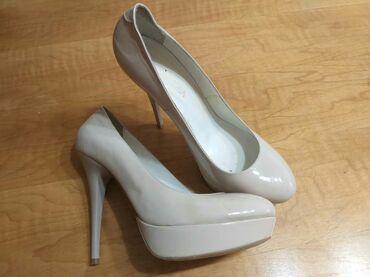 Продаются женские туфли, б/у в отличном состоянии. Размер 39 Цена 500