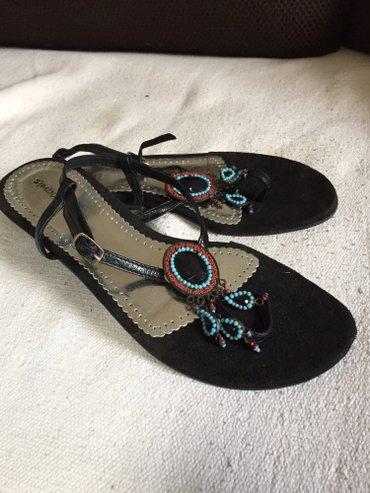 Nove sandale od eko koze, crne sa ukrasima, br. 40, duzina gazista - Belgrade