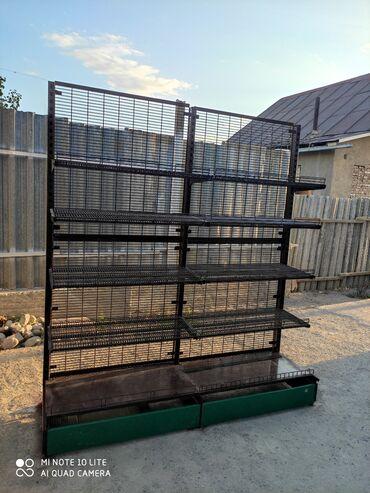 бу стеллажи в бишкеке в Кыргызстан: Продаю металический стеллажВтринный стелажВтринаПолка, стеллажыВсего 3