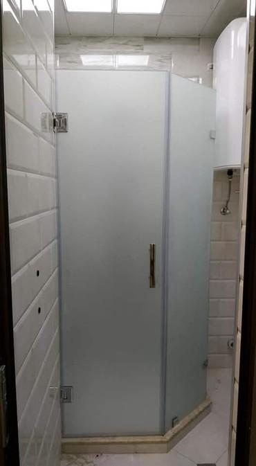 duş üçün gellər - Azərbaycan: Dus kabin ara kesme hazirlanir