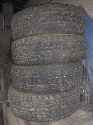 шини б у 215 60 17 в Кыргызстан: Зимняя шина 215/60R17, очень хорошом состоянии без проколов, протектор