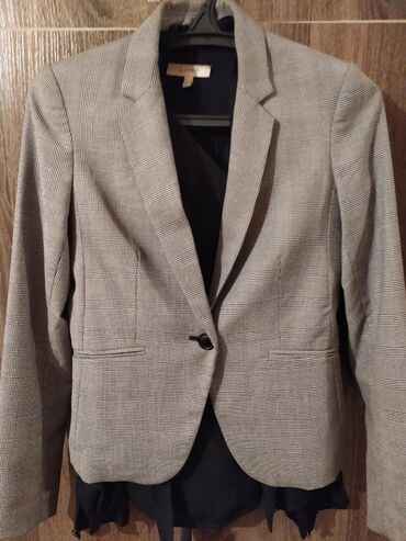 Н&М пиджак, р-р: М. Носила мало. Покупала за 3000, отдам за 880
