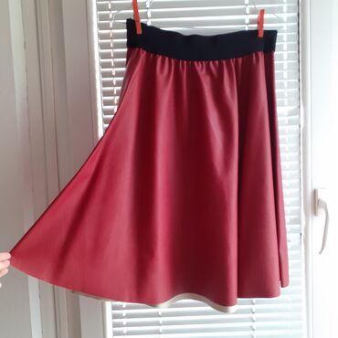 Bordo kožna suknja M-L veličina (veštačka koža). Struk se isteže
