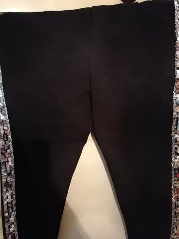 Prodajem duksiće, pantalone sa šljokicama, divne bez pantalone, sve