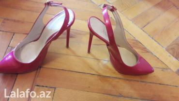 - Azərbaycan: A moda bremd 37 razmer 1 dəfə giyilib çox baha alını