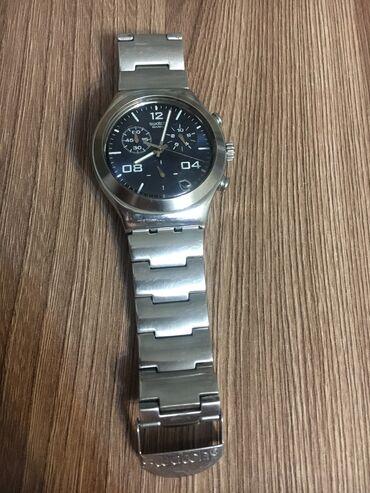 часы-и-нож в Кыргызстан: Серые Мужские Наручные часы Swatch