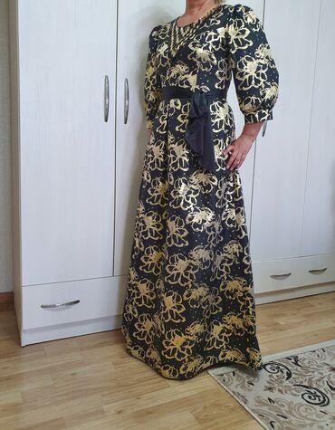 Платья, носили по 1 разу. Платье золотисто- чёрное 3000 сомЗелёное
