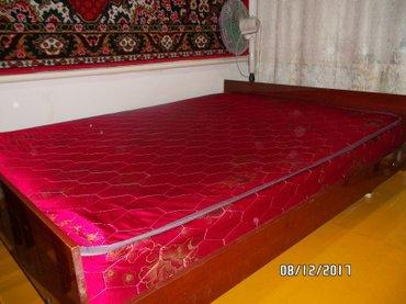 продаю 2-х спальную кровать с новым матрацем. Звоните  в Бишкек