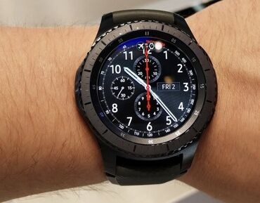 samsung gear s3 в Кыргызстан: Срочно продаю, часы Самсунг Gear s3, 14000