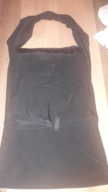 Fantasticna crna haljinica kraci model. Skroz uz telo,elasticna. Vel - Kikinda