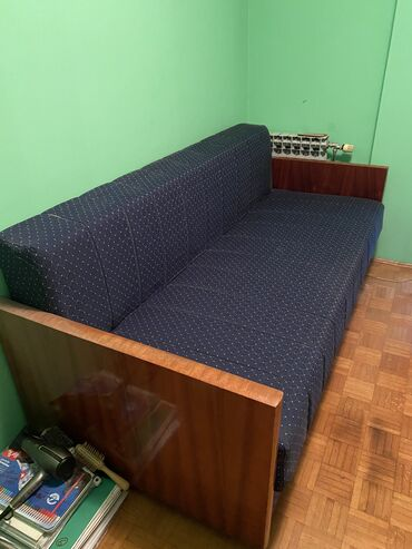 Alfa romeo 164 3 mt - Srbija: Krevet na rasklapanje/trosedocuvan, komplet pretapaciran pre 3 godine