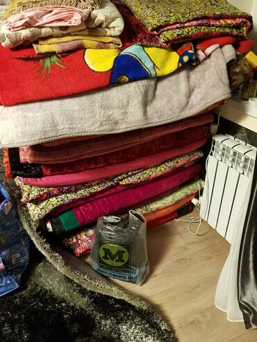 Төшөктөр, тошоки, подушки, все вместе