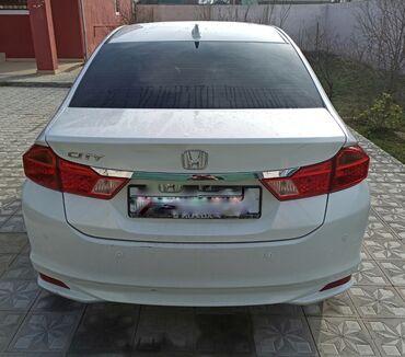 белые двери в Азербайджан: Honda 1.5 л. 2014 | 138000 км
