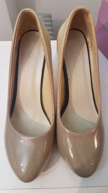 Ženska obuća   Arandjelovac: Zenkse cipele, stikle, broj 37
