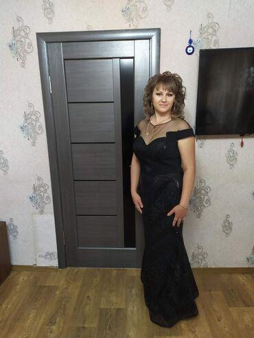 Продаю шикарное платье 48 размер