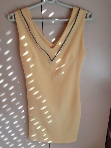 Prodajem haljinu S veličine, ima cibzare kao detalj, sa strane se