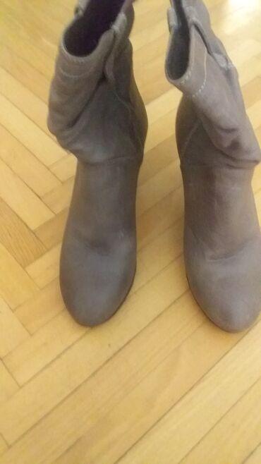 - Azərbaycan: Обувь б/у в отличном состоянии 38 размер. Туфли 5 ман сапожки 10ман
