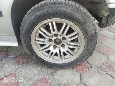 диски bmw в Кыргызстан: Продаю комплект дисков с резиной на BMW цена 8000тысяч