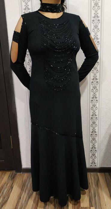 черное длинное платье в Кыргызстан: Вечернее чёрное длинное платье ручная работа, размер 44-46. Один раз