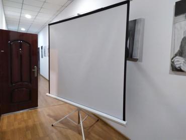 """проектор-hdmi в Кыргызстан: Экран для проектора. """"АрТау"""" 2*2метра. Новый"""