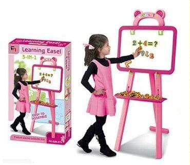 Barbie set - Crvenka: Magična dvostrana tabla sa crnom i belom podlogom za crtanje i