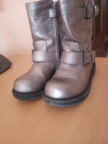Очень стильные и модные ботиночки на 26 в Бишкек