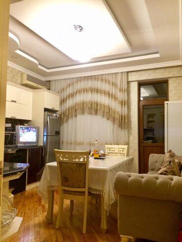 koridorda dolap - Azərbaycan: Mənzil satılır: 3 otaqlı, 138 kv. m