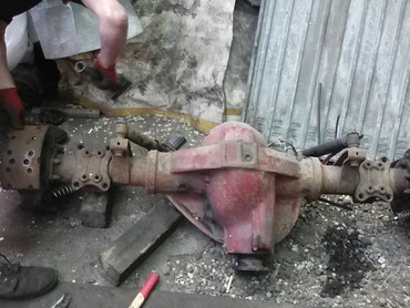 bentley arnage 675 twin turbo в Кыргызстан: Mercedes 817 задний чулок редуктор барабан колодки трещотка полуось