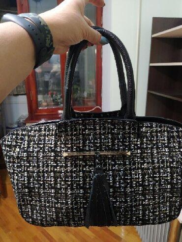 Новаяшикарнаяне обычная, кожаная сумка приятная на ощупь,внутри