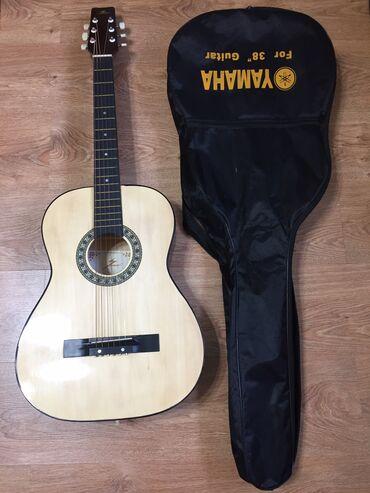 Спорт и хобби - Джалал-Абад: Продаю гитару+чехол! Гитара новая, следов использования нет. Только