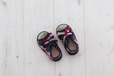 Детская обувь - Б/у - Киев: Дитячі босоніжки RenBut, р. 19    Довжина підошви: 13 см  Стан: гарний