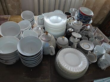 Продаю посуду в связи с переездом. За всю посуду прошу 3600 сом