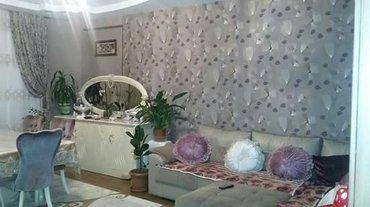Bakı şəhərində Xetai rayonu Hezi Aslanov metrosunun ustunde 2 otaqli menzil satilir.