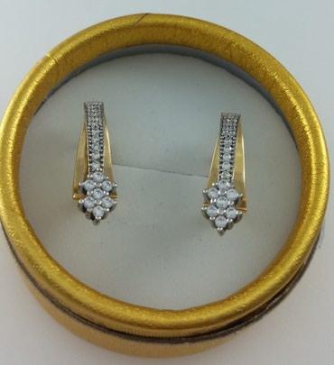 Серьги из желтого золота с цирконом 585 проба. Цена 13300 Сом в Бишкек