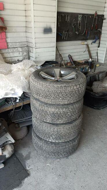Шины для грузовиков - Кыргызстан: Продаю комплект шины и диски на БМВ Х5, состояние отличное