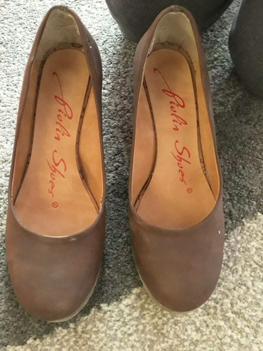 Cipele zenske br.39,gaziste25 cm 7,5 cm stikla - Nis