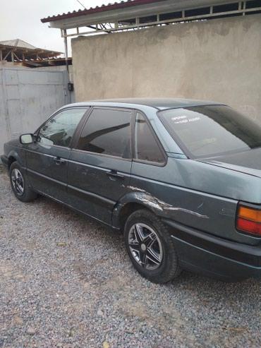 Volkswagen Passat 1990 в Токмак