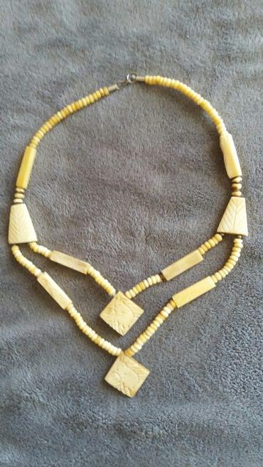 Slonova kost - Srbija: Prelepa ogrlica od slonove kosti u dva reda. Kraci deo duzine 54 cm a