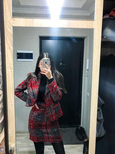 чехол для одежды в Кыргызстан: *продаю новую драповую двойку *надевала один раз на свадьбу *зимняя