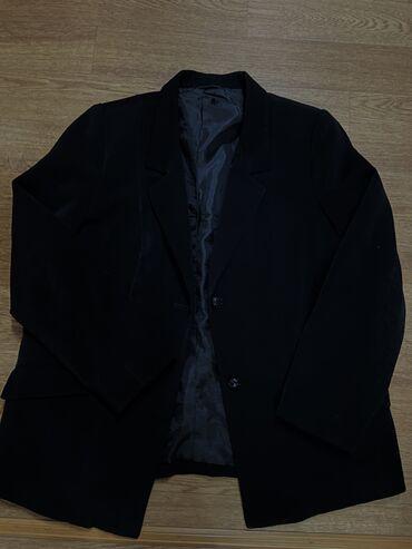 Пиджак женский . Размер M L. Цена 400
