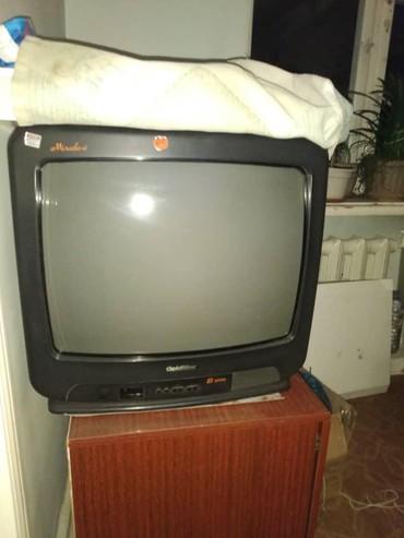 Продаю газ плиту и телевизор б/у в рабочем состоянии в Бишкек