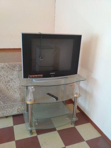 Продаю телевизор samsung с подставкой состояние оба идеальные в Бишкек