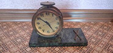 Продаю антикварные часы. В рабочем состоянии