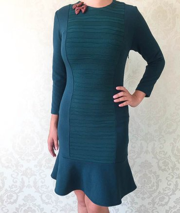 зеленые шузы в Кыргызстан: 2 новых платья. идеально подчёркивают фигуру. тёмно-зелёного и такое