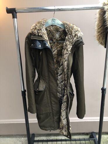 Braon deblji saten - Srbija: Zara zimska debela jakna. Veoma topla i teska. Bez ikakvih ostecenja